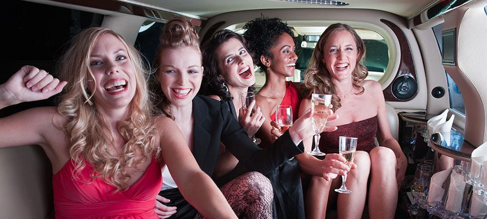 Polterabend feiern in der Limousine